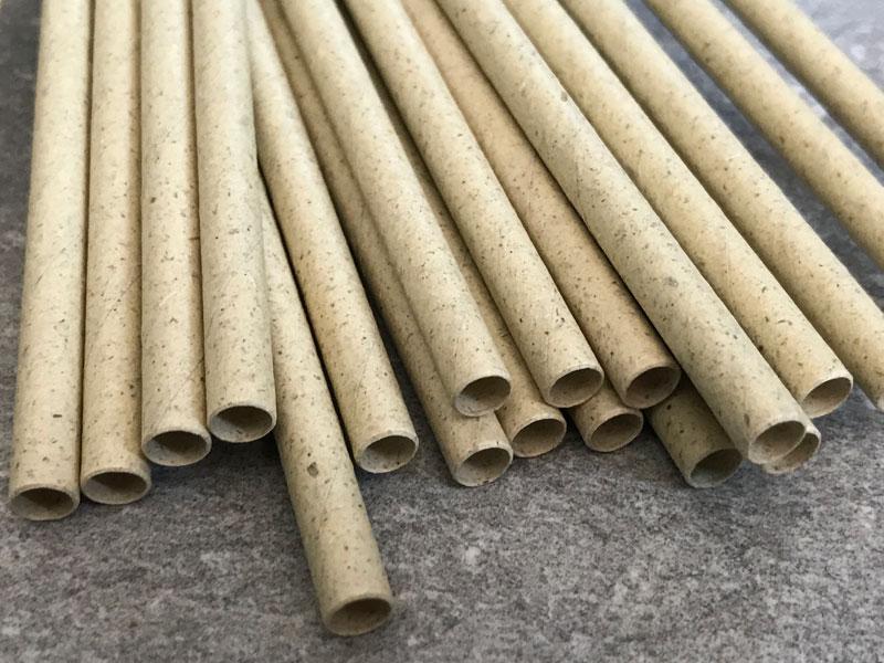 Strohhalme aus Graspapier